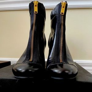 MARC JACOBS zipped heeled boots